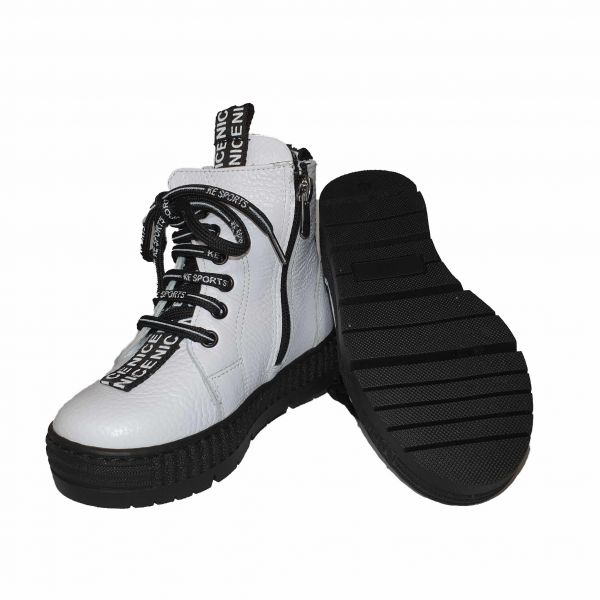 Ботинки Panda белые высокие с декоративной шнуровкой