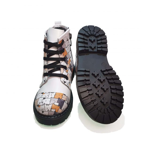 Ботинки  Minicolor белые с котиками 112238