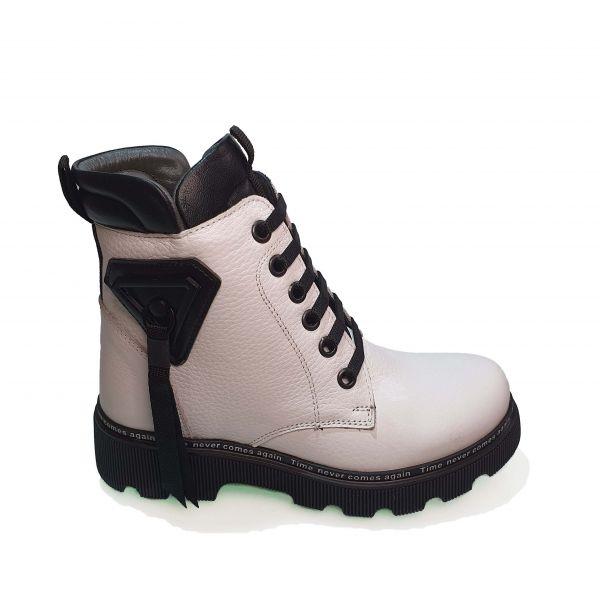 Ботинки  Minicolor белые с подвеской 262406