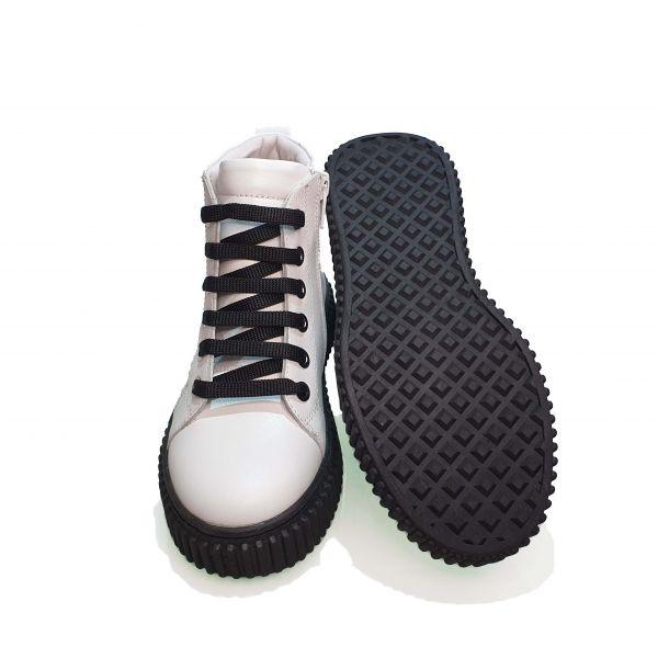 Ботинки Tunel белые на черной подошве 24-90-08